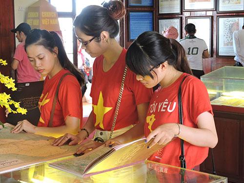 """Quảng Nam: Triển lãm bản đồ và trưng bày tư liệu """"Hoàng Sa, Trường Sa của Việt Nam - Những bằng chứng pháp lý"""""""