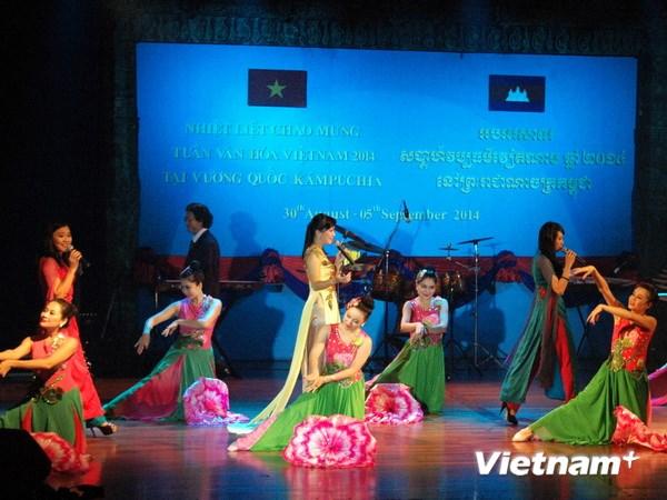 Tưng bừng Tuần Văn hóa Việt Nam tại Campuchia