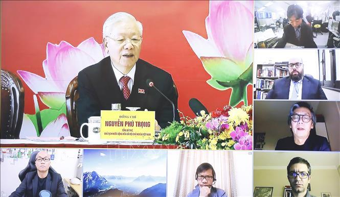 Tổng Bí thư, Chủ tịch nước Nguyễn Phú Trọng trả lời các câu hỏi của phóng viên cơ quan thông tấn, báo chí trong nước và quốc tế, được tiến hành trực tiếp và trực tuyến. Ảnh: TTXVN